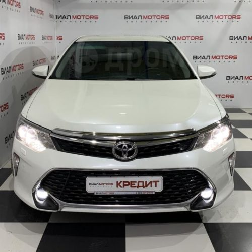 Toyota Camry 2.5 AT (181 л.с.) 2017