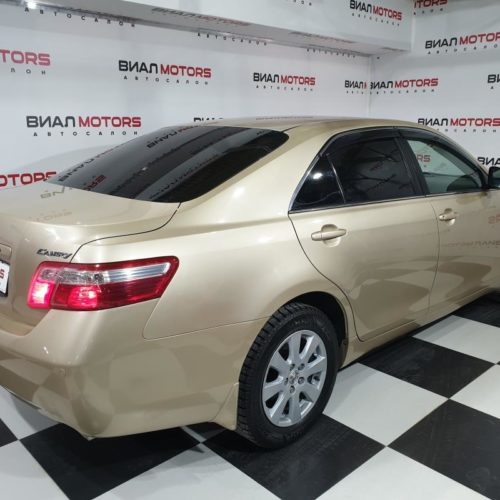 Toyota Camry 2.4 AT (167 л.с.) 2009