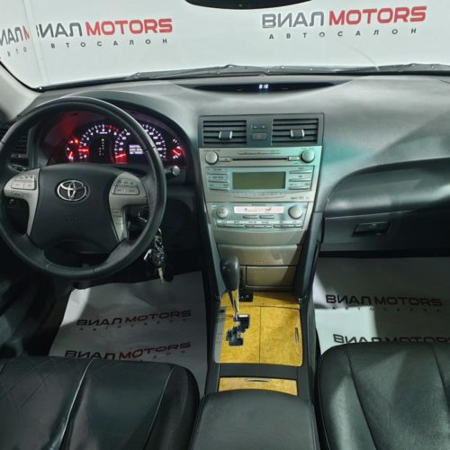 Toyota Camry 2.4 AT (167 л.с.) 2006