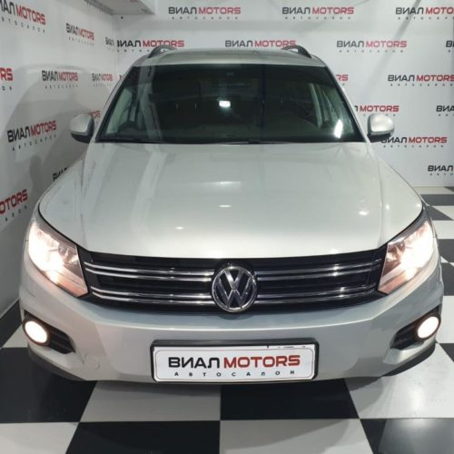 Volkswagen Tiguan 2.0 AT (170 л.с.) 4WD 2015