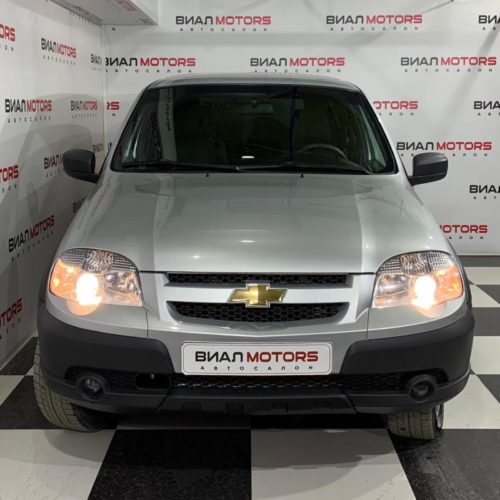 Chevrolet Niva 1.7 MT (80 л.с.) 4WD 2016