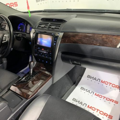Toyota Camry 3.5 AT (249 л.с.) 2015