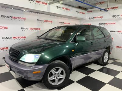 Toyota Harrier 2.2 AT (140 л.с.) 4WD 1998
